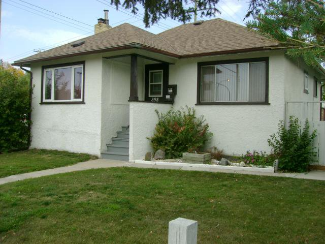 Main Photo: 393 Woodlawn Street in WINNIPEG: St James Residential for sale (West Winnipeg)  : MLS®# 1220229