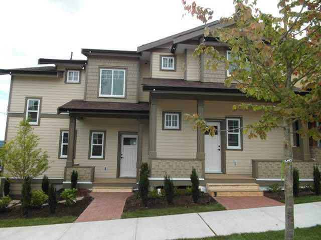 "Main Photo: 3 307 BEGIN Street in Coquitlam: Maillardville Townhouse for sale in ""LAVAL VILLAS"" : MLS®# V978955"