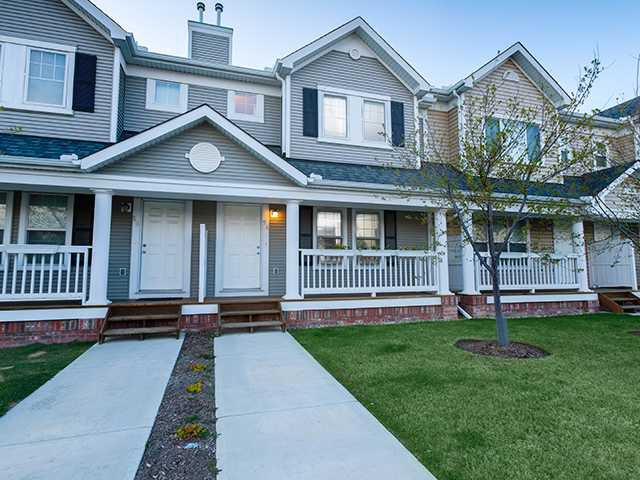 Main Photo: 54 Country Village Gate NE in CALGARY: Country Hills Village Townhouse for sale (Calgary)  : MLS®# C3567716