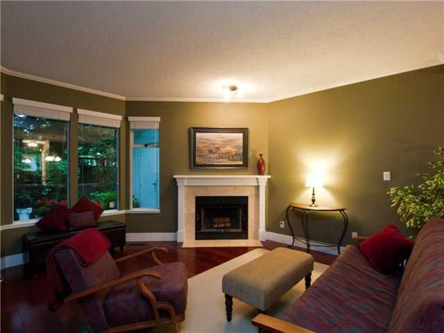 Main Photo: 2657 FROMME RD in North Vancouver: Lynn Valley 1/2 Duplex for sale : MLS®# V894546