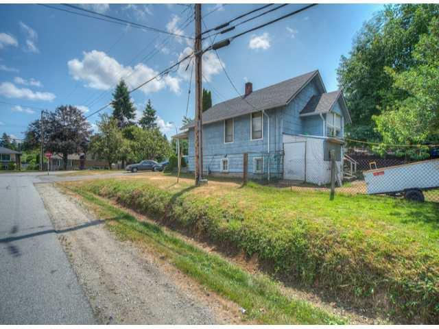Photo 2: Photos: 9739 128TH Street in Surrey: Cedar Hills House for sale (North Surrey)  : MLS®# F1418313