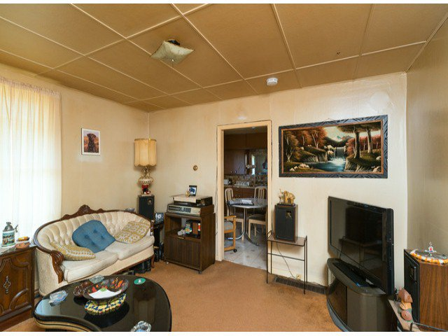 Photo 5: Photos: 9739 128TH Street in Surrey: Cedar Hills House for sale (North Surrey)  : MLS®# F1418313