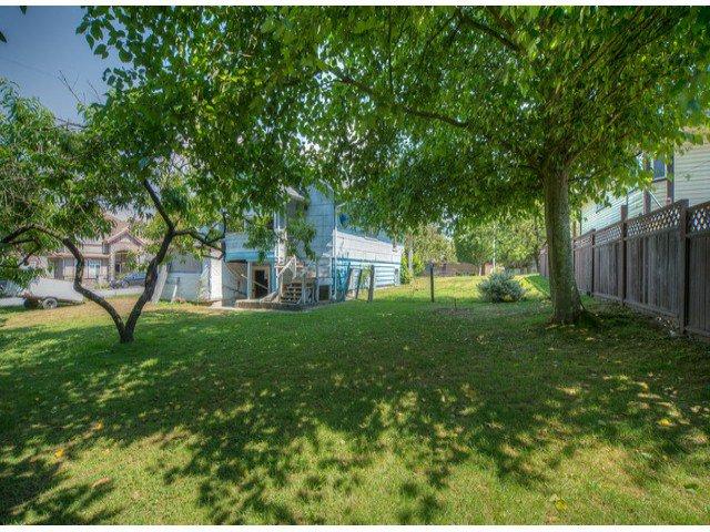 Photo 10: Photos: 9739 128TH Street in Surrey: Cedar Hills House for sale (North Surrey)  : MLS®# F1418313