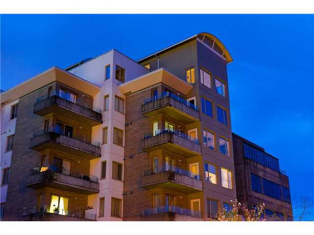 Main Photo: 503 137 W 17th Street in NORTH VANCOUVER: Central Lonsdale Condo for sale (North Vancouver)