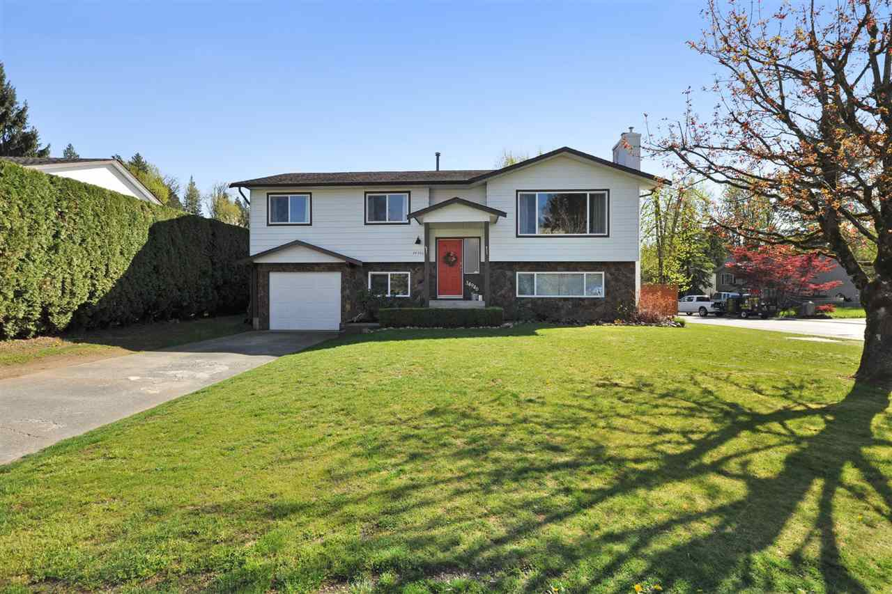 Main Photo: 34940 Seneca Ct, in Abbotsford: Abbotsford East House for sale : MLS®# R2096999