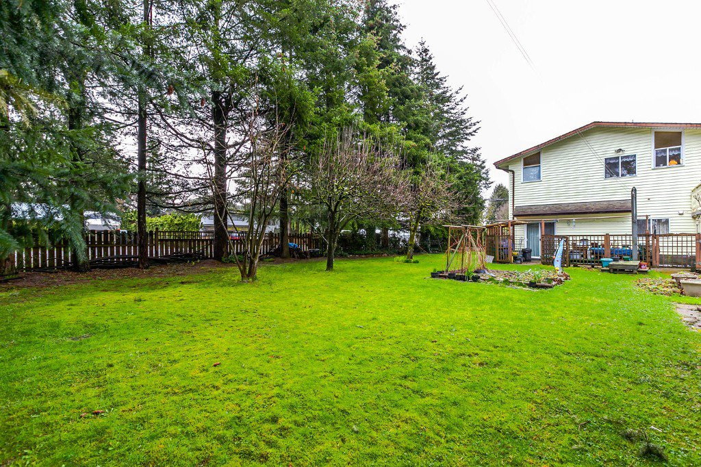 Photo 19: Photos: 27011 29 Avenue in Langley: Aldergrove Langley House for sale : MLS®# R2150710