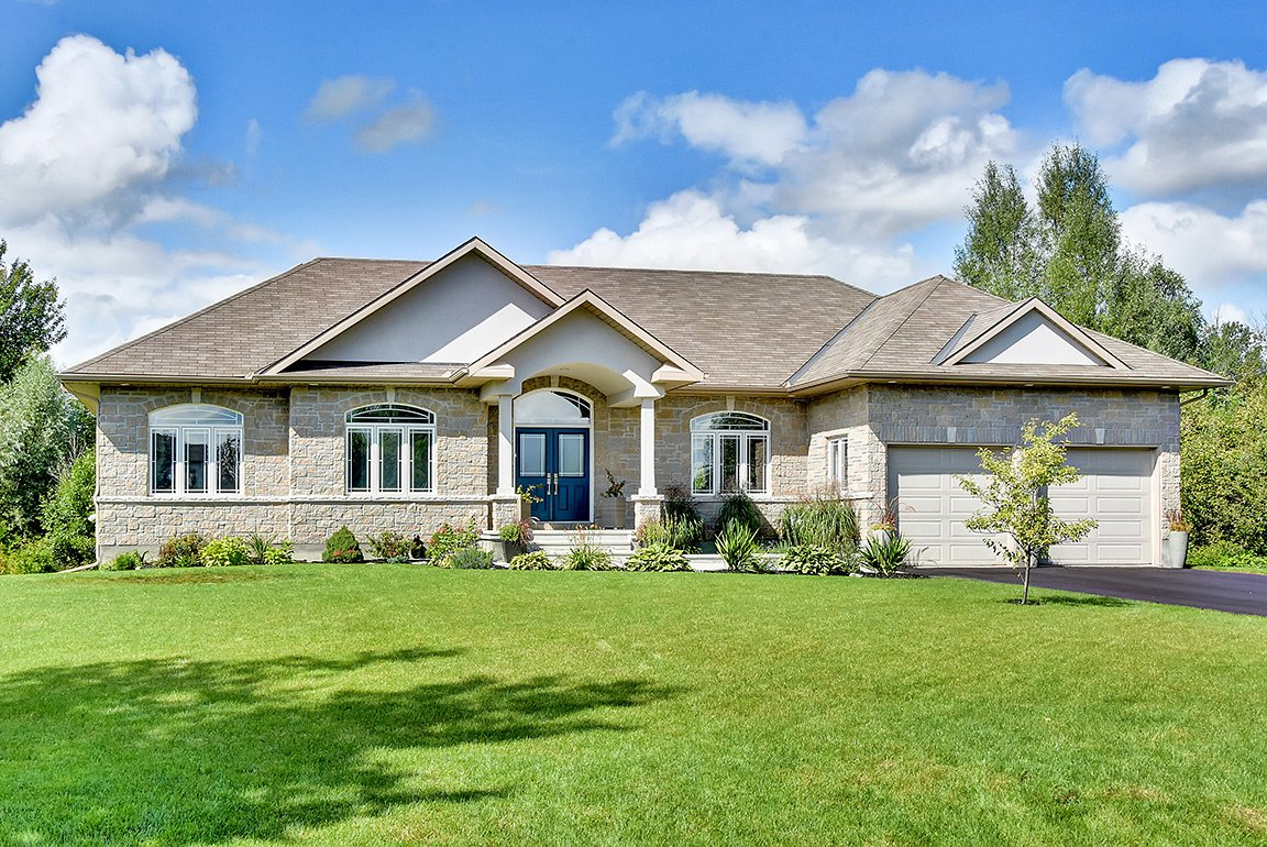 Main Photo: 6661 Woodstream Drive in Greely: Woodstream House for sale : MLS®# 1141311
