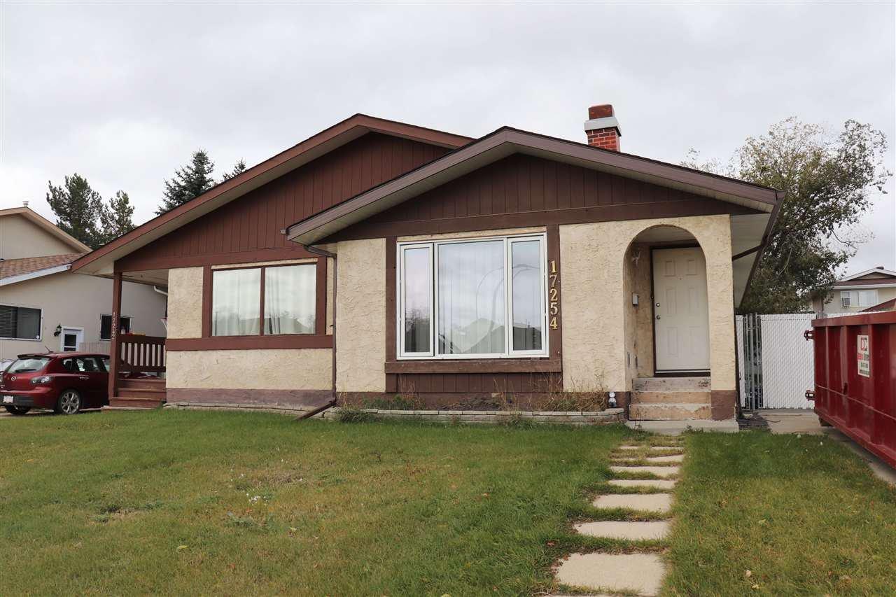 Main Photo: 17254 104 Street in Edmonton: Zone 27 House Half Duplex for sale : MLS®# E4176861