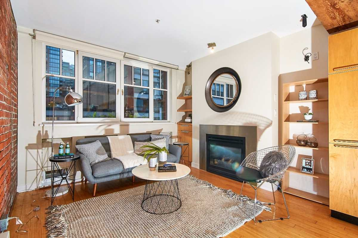 """Main Photo: 303 1072 HAMILTON Street in Vancouver: Yaletown Condo for sale in """"THE CRANDALL"""" (Vancouver West)  : MLS®# R2420588"""