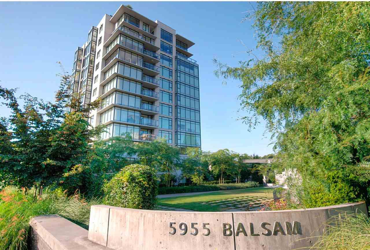 """Main Photo: 605 5955 BALSAM Street in Vancouver: Kerrisdale Condo for sale in """"KERRISDALE"""" (Vancouver West)  : MLS®# R2434947"""