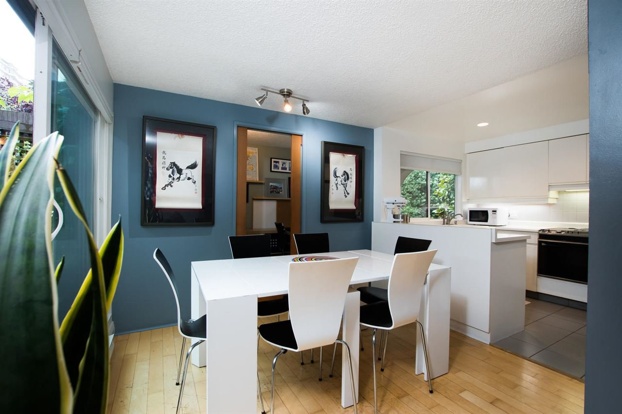 "Photo 11: Photos: 1 1019 GILFORD Street in Vancouver: West End VW Condo for sale in ""Gilford Mews"" (Vancouver West)  : MLS®# R2472849"