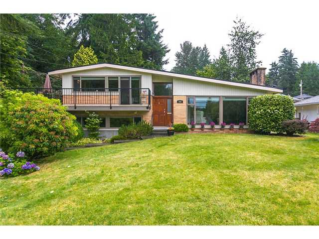Main Photo: 468 EVERGREEN Place in North Vancouver: Delbrook House for sale : MLS®# V1081456