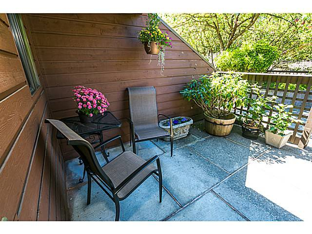 """Photo 17: Photos: 4142 GARDEN GROVE Drive in Burnaby: Greentree Village Townhouse for sale in """"GREENTREE VILLAGE"""" (Burnaby South)  : MLS®# V1082218"""