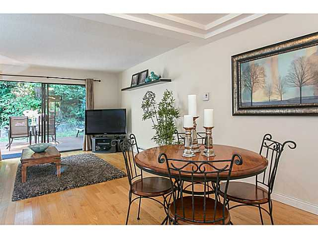 """Photo 6: Photos: 4142 GARDEN GROVE Drive in Burnaby: Greentree Village Townhouse for sale in """"GREENTREE VILLAGE"""" (Burnaby South)  : MLS®# V1082218"""