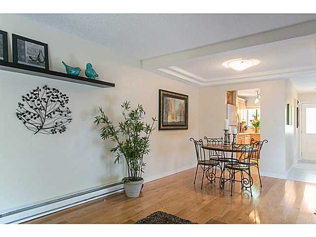 """Photo 8: Photos: 4142 GARDEN GROVE Drive in Burnaby: Greentree Village Townhouse for sale in """"GREENTREE VILLAGE"""" (Burnaby South)  : MLS®# V1082218"""