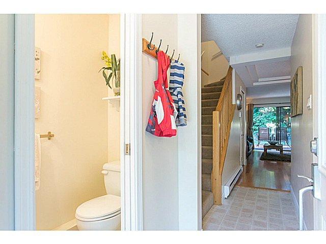 "Photo 9: Photos: 4142 GARDEN GROVE Drive in Burnaby: Greentree Village Townhouse for sale in ""GREENTREE VILLAGE"" (Burnaby South)  : MLS®# V1082218"