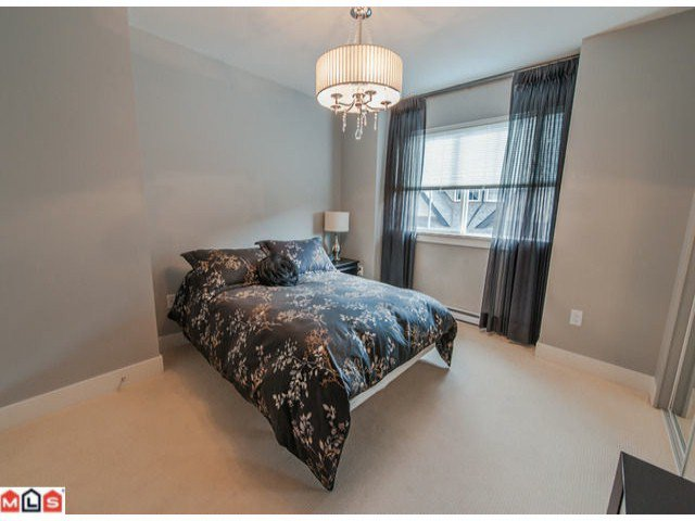 Photo 8: Photos: 67 2501 161a Street in : Grandview Surrey Townhouse for sale (South Surrey White Rock)  : MLS®# f1224451