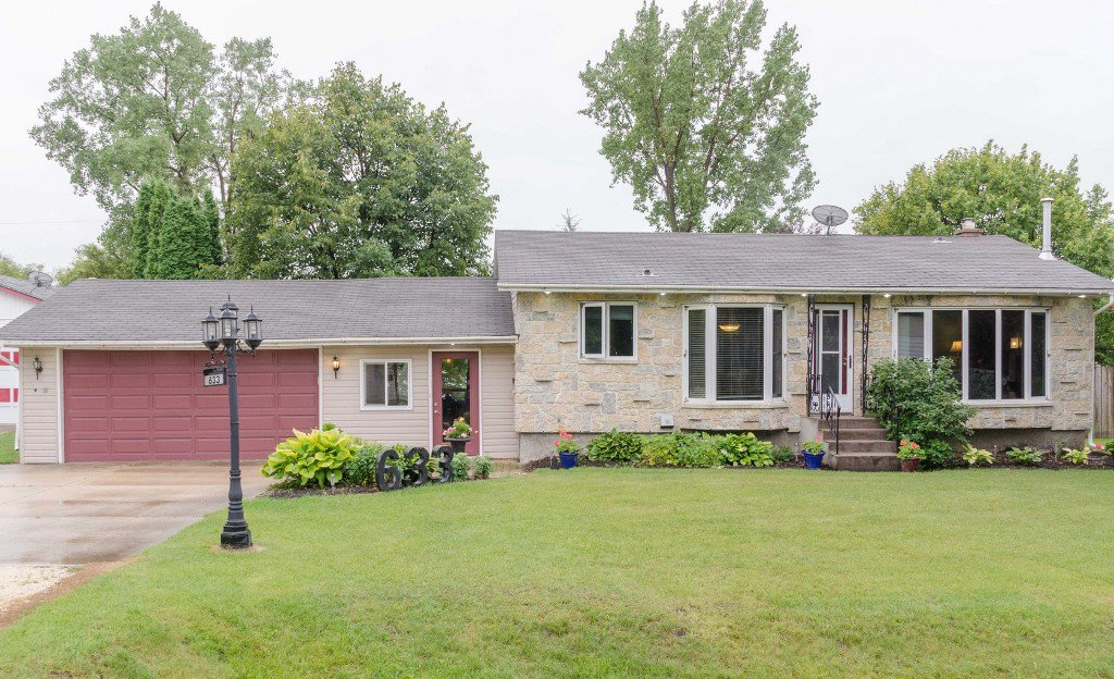 Main Photo: 633 Jaffray Street in Dugald: Single Family Detached for sale : MLS®# 1521751