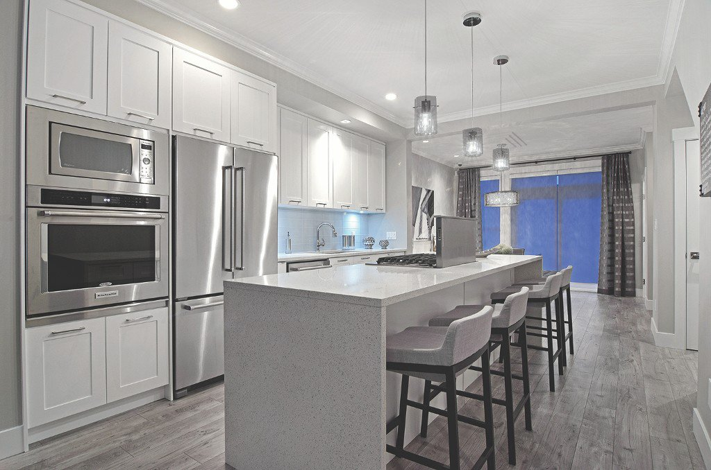 Main Photo: 72 16488 64 Avenue in Surrey: Cloverdale BC Townhouse for sale (Cloverdale)