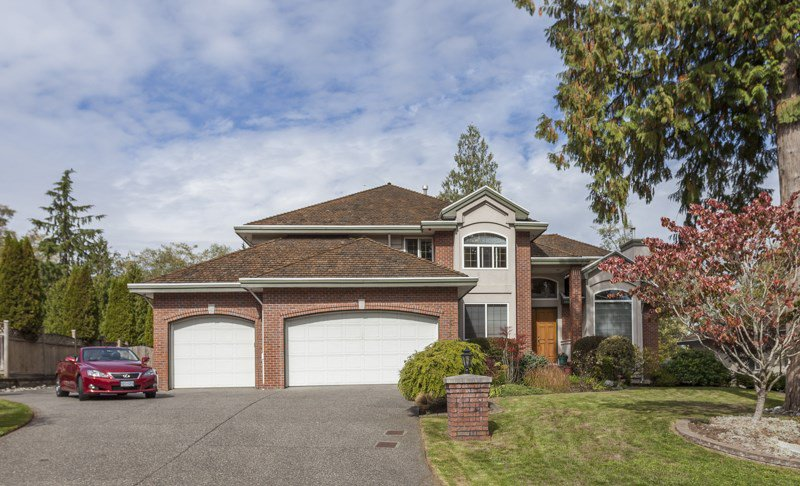 Main Photo: 15355 N Kettle Crescent in Surrey: Sullivan Station House for sale : MLS®# R2004152