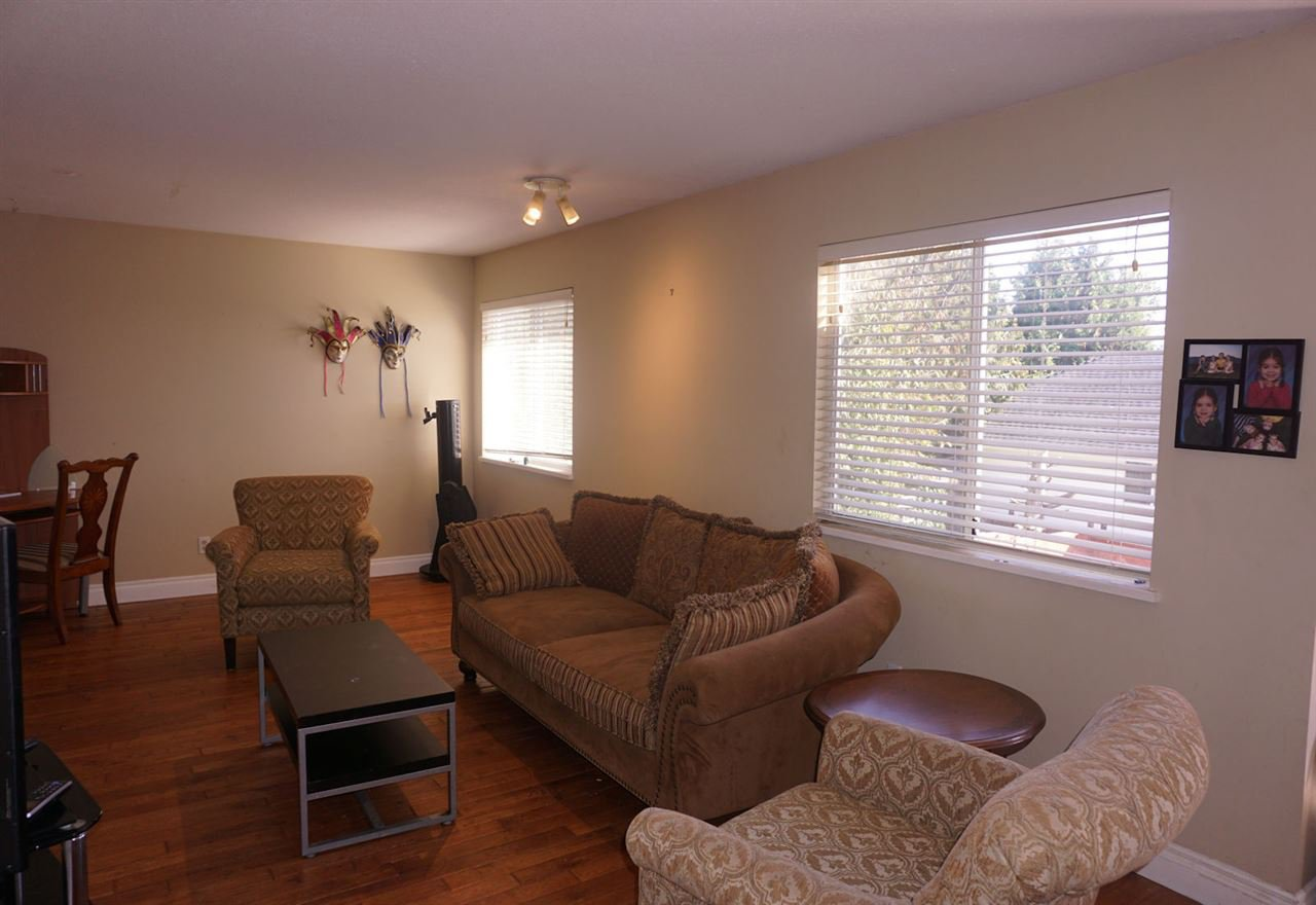 Photo 4: Photos: 33480 BLUEBERRY Drive in Mission: Mission BC House for sale : MLS®# R2412997