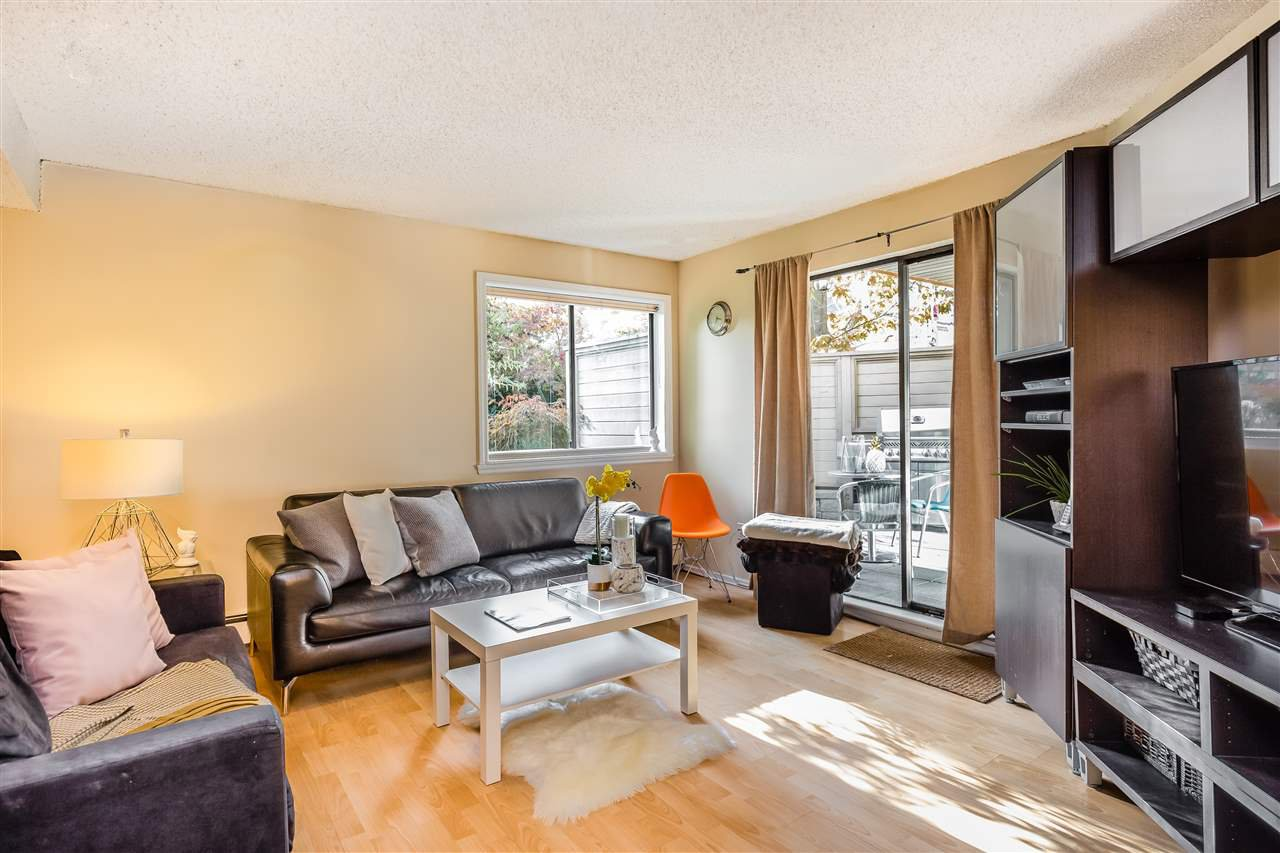 """Main Photo: 226 1500 PENDRELL Street in Vancouver: West End VW Condo for sale in """"PENDRELL MEWS"""" (Vancouver West)  : MLS®# R2413386"""