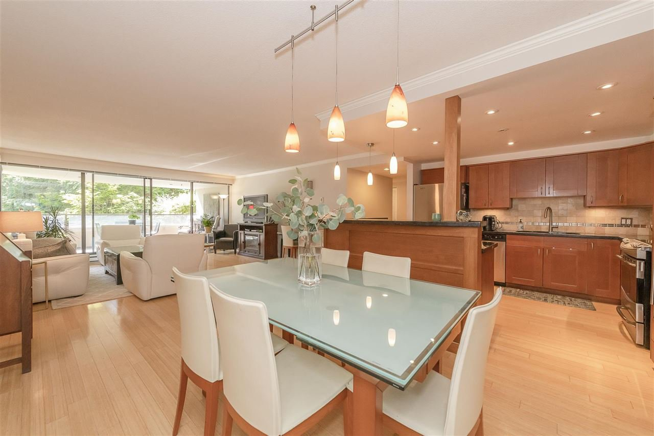 """Photo 1: Photos: 35 1425 LAMEY'S MILL Road in Vancouver: False Creek Condo for sale in """"HARBOUR TERRACE"""" (Vancouver West)  : MLS®# R2482067"""
