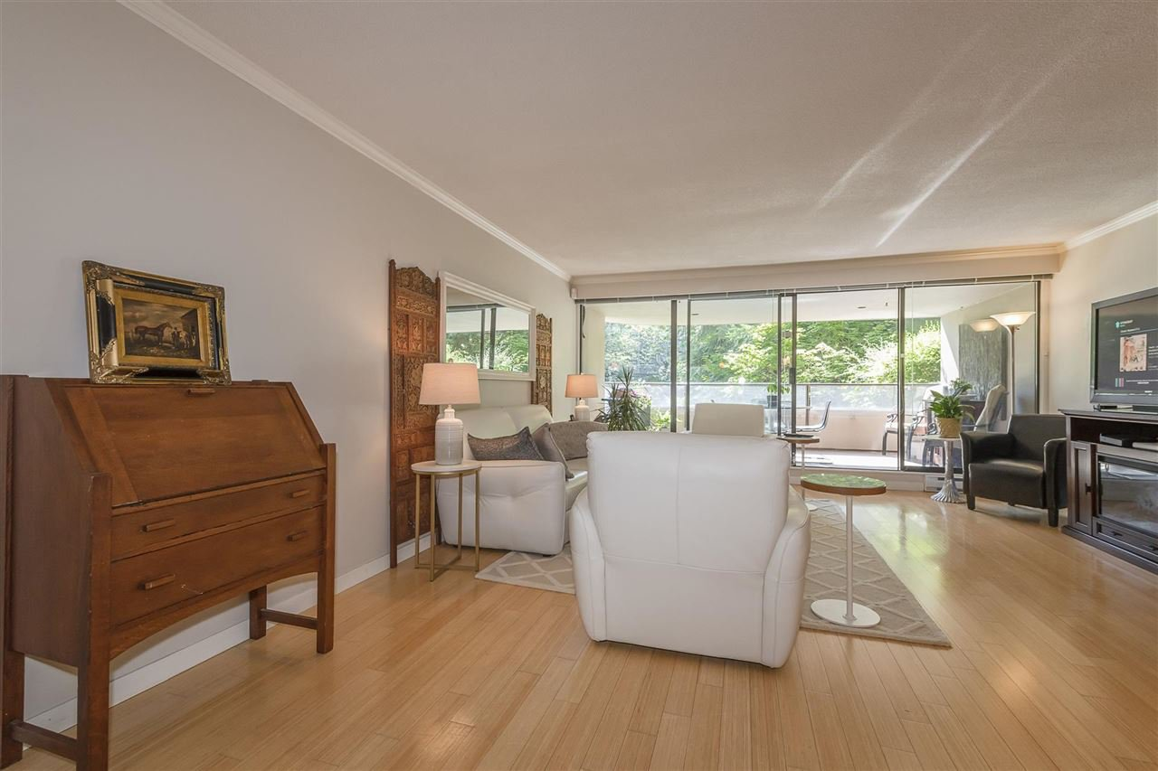 """Photo 13: Photos: 35 1425 LAMEY'S MILL Road in Vancouver: False Creek Condo for sale in """"HARBOUR TERRACE"""" (Vancouver West)  : MLS®# R2482067"""