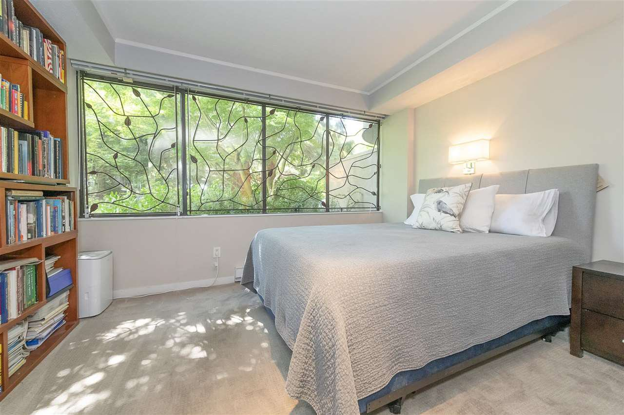"""Photo 21: Photos: 35 1425 LAMEY'S MILL Road in Vancouver: False Creek Condo for sale in """"HARBOUR TERRACE"""" (Vancouver West)  : MLS®# R2482067"""
