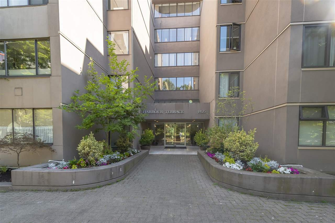 """Photo 30: Photos: 35 1425 LAMEY'S MILL Road in Vancouver: False Creek Condo for sale in """"HARBOUR TERRACE"""" (Vancouver West)  : MLS®# R2482067"""