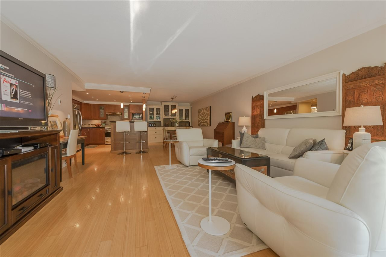 """Photo 11: Photos: 35 1425 LAMEY'S MILL Road in Vancouver: False Creek Condo for sale in """"HARBOUR TERRACE"""" (Vancouver West)  : MLS®# R2482067"""