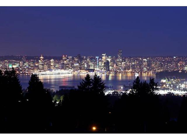 """Main Photo: 3690 CARNARVON Avenue in North Vancouver: Upper Lonsdale House for sale in """"Upper Lonsdale"""" : MLS®# V950587"""