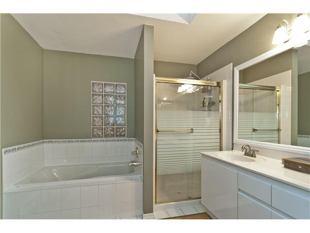 "Photo 6: Photos: 1115 CLERIHUE Road in Port Coquitlam: Citadel PQ Townhouse for sale in ""THE SUMMIT"" : MLS®# V993280"