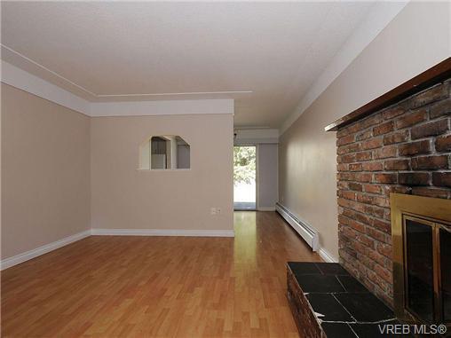 Photo 5: Photos: 3328 Wishart Road in VICTORIA: Co Wishart North Strata Duplex Unit for sale (Colwood)  : MLS®# 328382