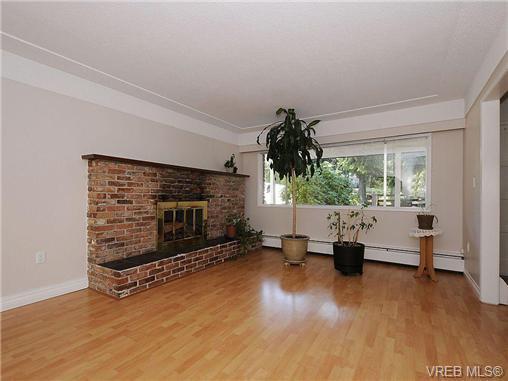 Photo 4: Photos: 3328 Wishart Road in VICTORIA: Co Wishart North Strata Duplex Unit for sale (Colwood)  : MLS®# 328382