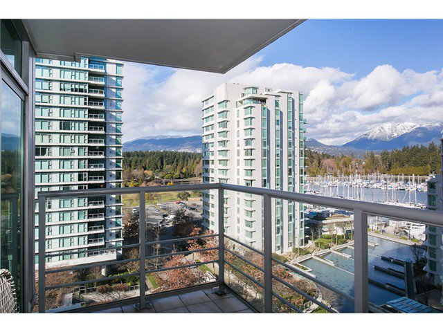 Photo 3: Photos: 901 1710 Bayshore Drive in Vancouver: Coal Harbour Condo  (Vancouver West)  : MLS®# V1048157