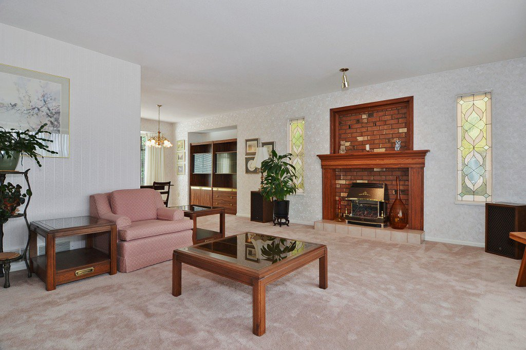 Photo 5: Photos: 17210 62A Avenue in Surrey: House for sale (Cloverdale)  : MLS®# F1405968