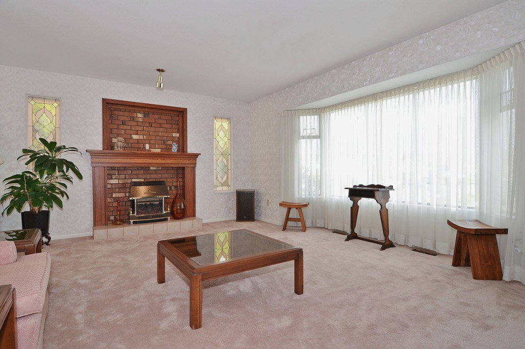 Photo 4: Photos: 17210 62A Avenue in Surrey: House for sale (Cloverdale)  : MLS®# F1405968