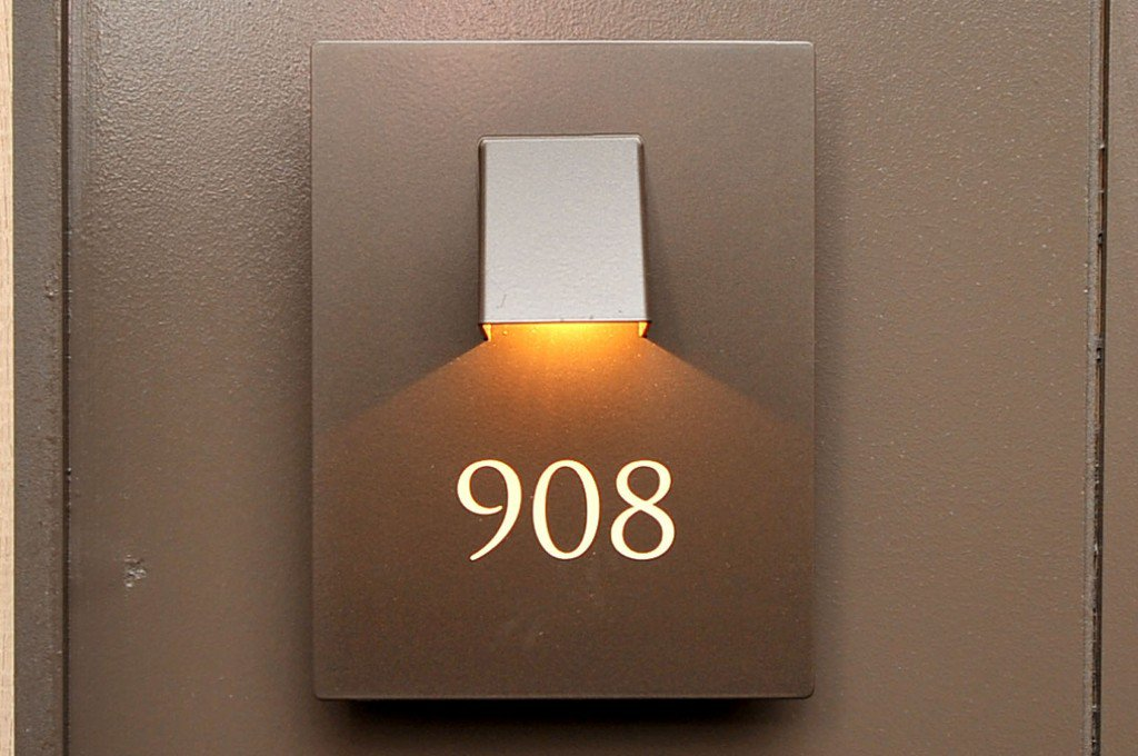 Photo 9: Photos: 908 15 Legion Road in Toronto: Mimico Condo for sale (Toronto W06)  : MLS®# W2802236