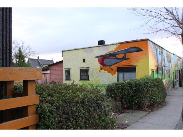 Main Photo: 2084 COMMERCIAL DR in Vancouver: Grandview VE House for sale (Vancouver East)  : MLS®# V1098496