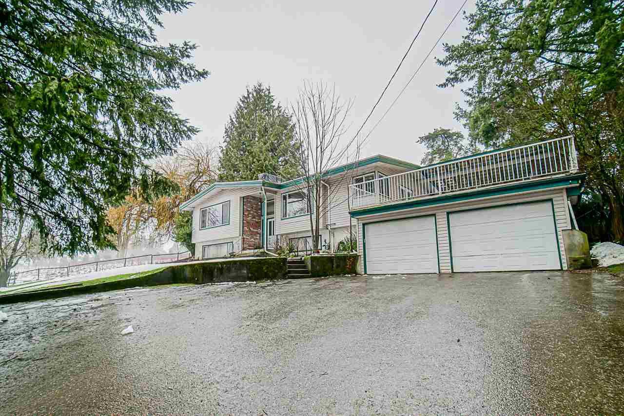"Main Photo: 30129 TOWNSHIPLINE Road in Abbotsford: Bradner House for sale in ""Mt.Lehman/Bradner"" : MLS®# R2433680"