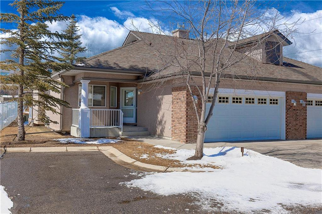 Main Photo: 5 STRADDOCK Villa SW in Calgary: Strathcona Park Semi Detached for sale : MLS®# C4293573
