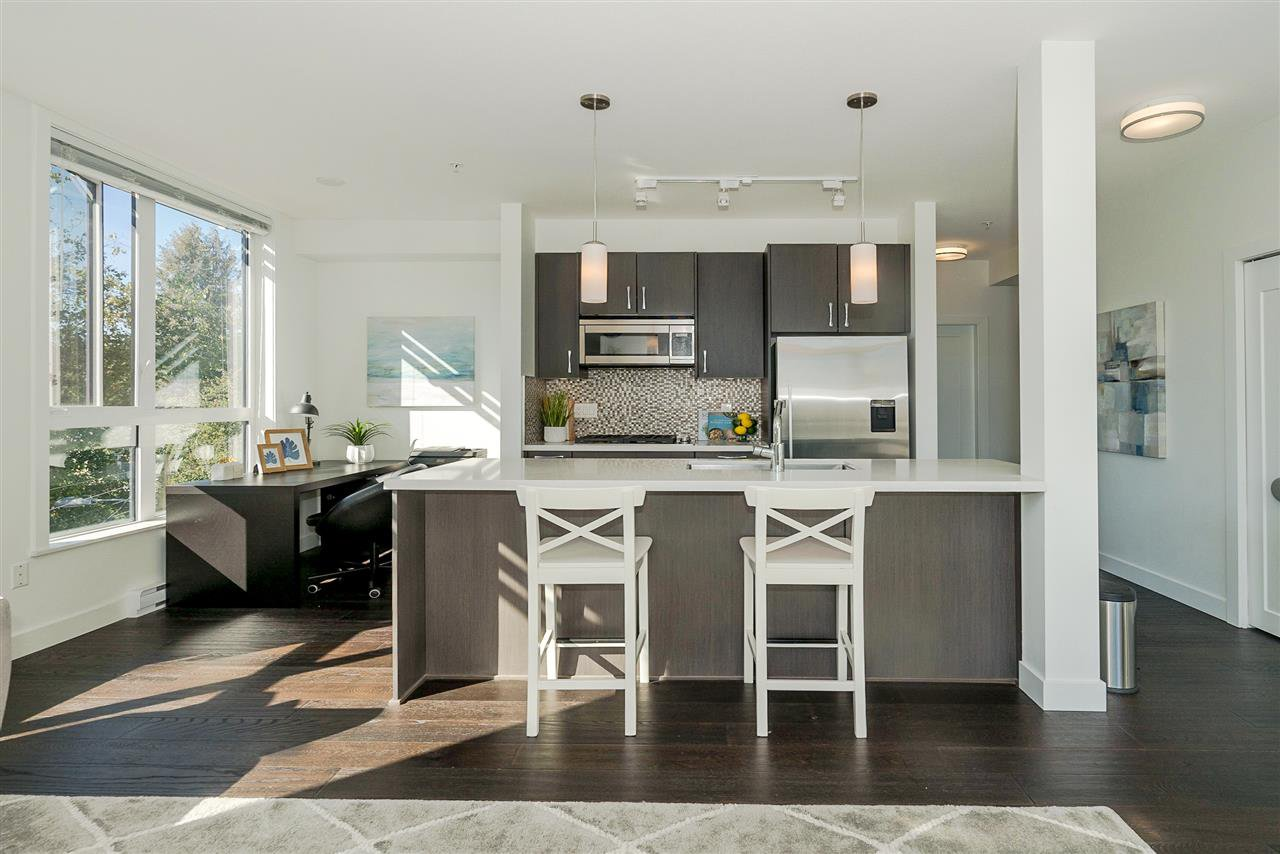 """Main Photo: 301 5325 WEST BOULEVARD in Vancouver: Kerrisdale Condo for sale in """"BOULEVARD"""" (Vancouver West)  : MLS®# R2497134"""