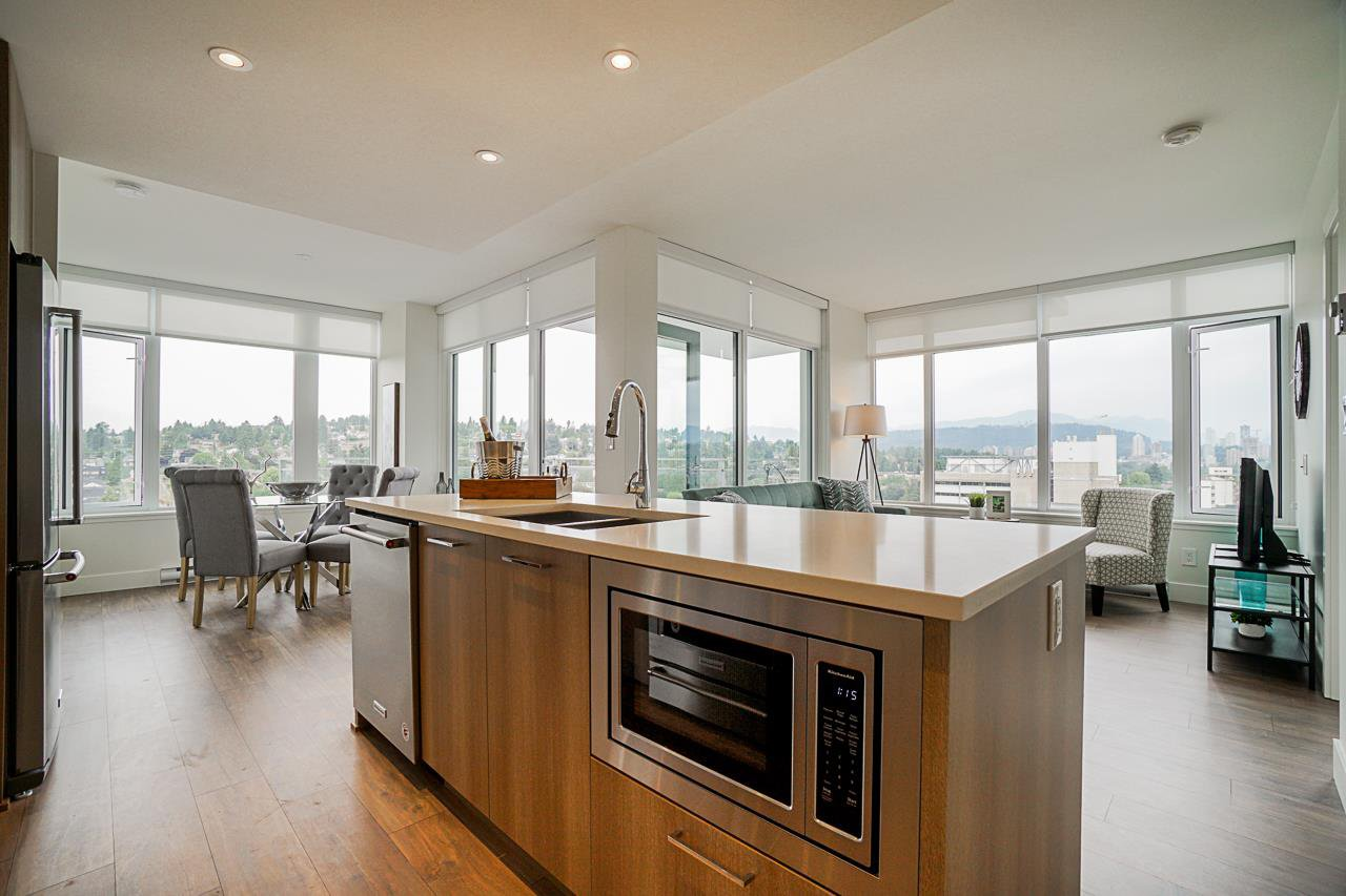 "Main Photo: 1804 258 NELSON'S Court in New Westminster: Sapperton Condo for sale in ""The Columbia"" : MLS®# R2506476"