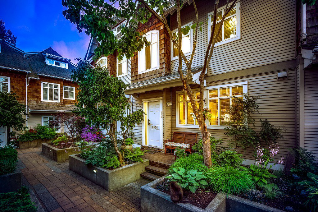 """Main Photo: 2856 E KENT Avenue in Vancouver: Fraserview VE Townhouse for sale in """"LIGHTHOUSE TERRACE"""" (Vancouver East)  : MLS®# V1074402"""