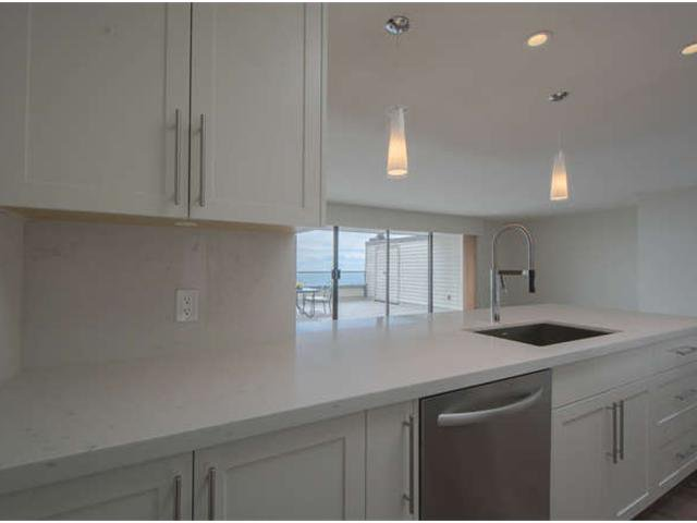 Photo 9: Photos: # 31 2235 FOLKESTONE WY in West Vancouver: Panorama Village Condo for sale : MLS®# V1085519
