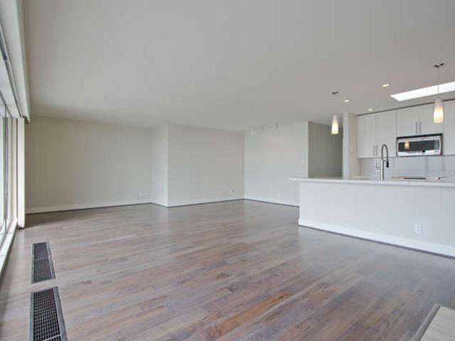 Photo 8: Photos: # 31 2235 FOLKESTONE WY in West Vancouver: Panorama Village Condo for sale : MLS®# V1085519
