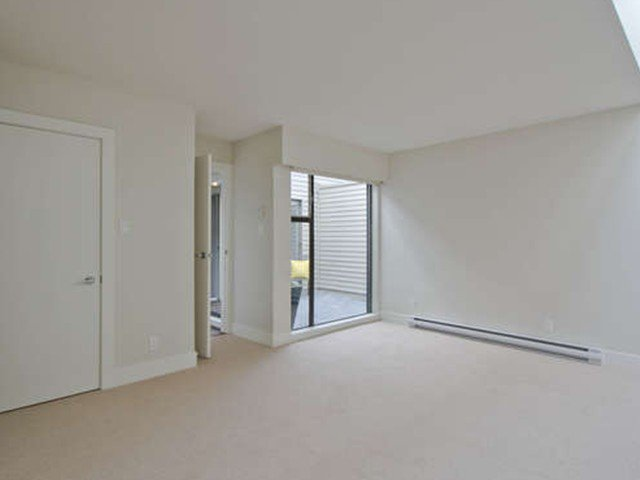 Photo 12: Photos: # 31 2235 FOLKESTONE WY in West Vancouver: Panorama Village Condo for sale : MLS®# V1085519