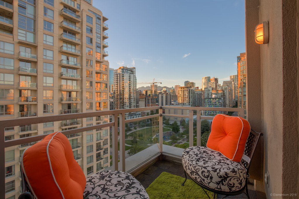 Photo 15: Photos: 1405 1238 Richards Street in Vancouver: Condo  : MLS®# R2077244