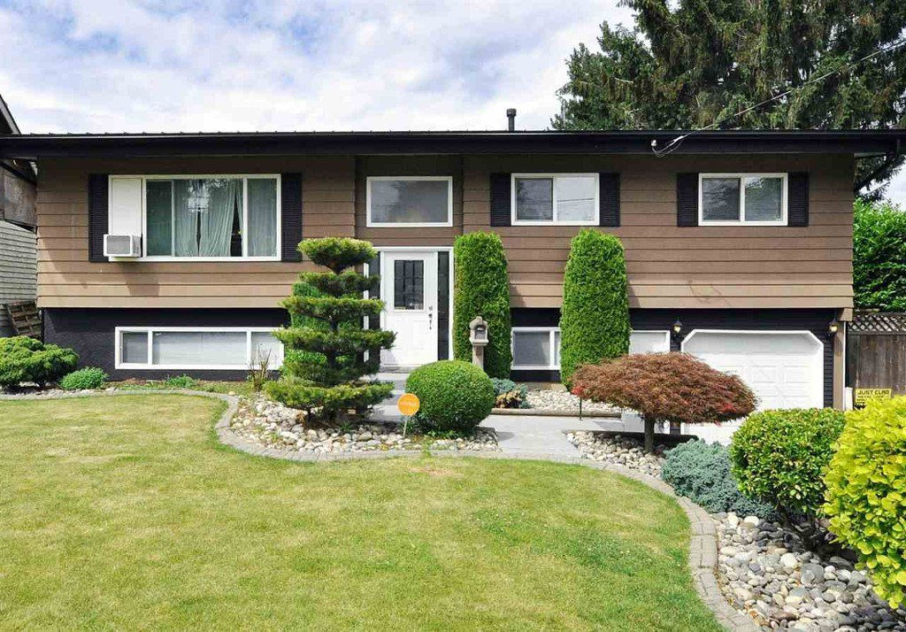 Main Photo: 2487 Lilac Crescent in Abbotsford: Central Abbotsford House for rent